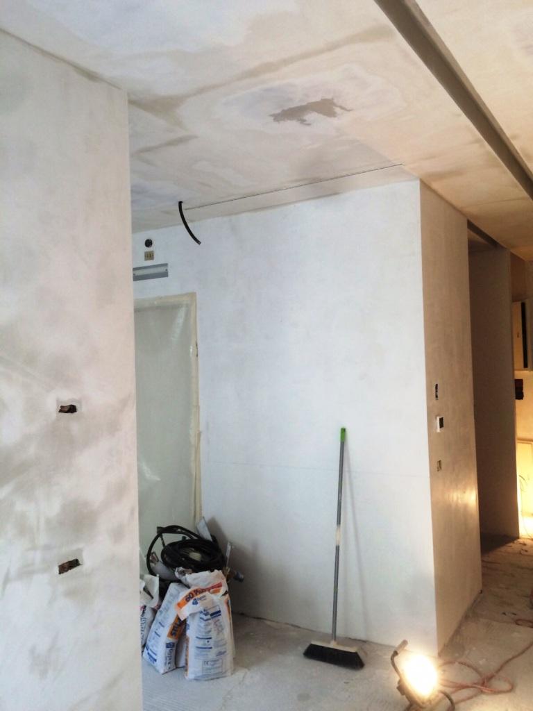 decorazioni cartongesso con faretti: pareti in pietra ricostruita ... - Decorazioni Cartongesso Con Faretti